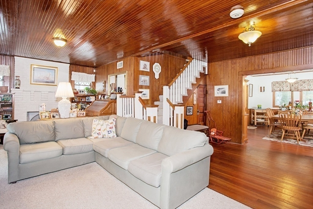 Photo #7 of Listing 9 Maple Ave