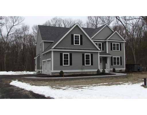 Single Family Home for Sale at 5 Thayer Road Mendon, Massachusetts 01756 United States
