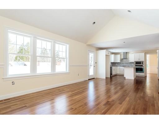 Casa Unifamiliar por un Venta en 2 Drummer Lane Wakefield, Massachusetts 01880 Estados Unidos