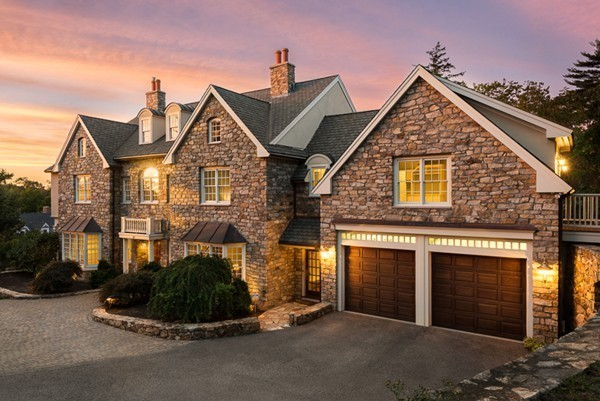 $1,849,000 - 4Br/5Ba -  for Sale in Canterbury Village, Hingham