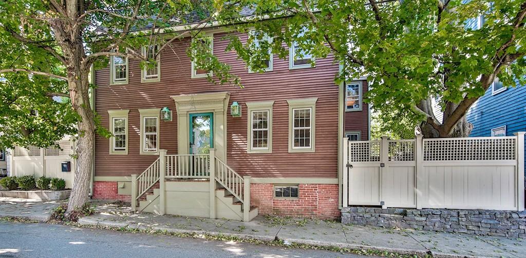 Property for sale at 8 Olive St, Newburyport,  MA 01950