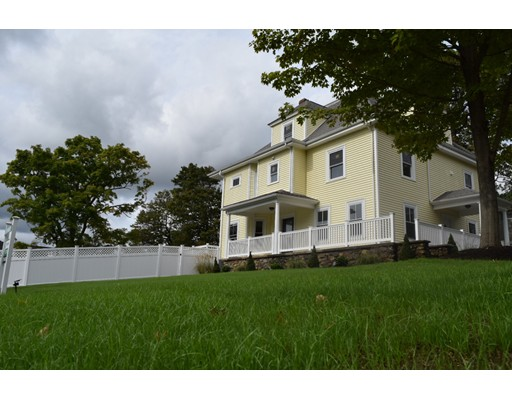 Casa Unifamiliar por un Venta en 2 Pleasant Street Sharon, Massachusetts 02067 Estados Unidos