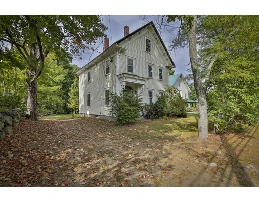Maison unifamiliale pour l Vente à 57 Pleasant Street Epping, New Hampshire 03042 États-Unis