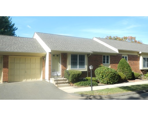 Casa Unifamiliar por un Alquiler en 25 Olde Maple Farms Enfield, Connecticut 06082 Estados Unidos