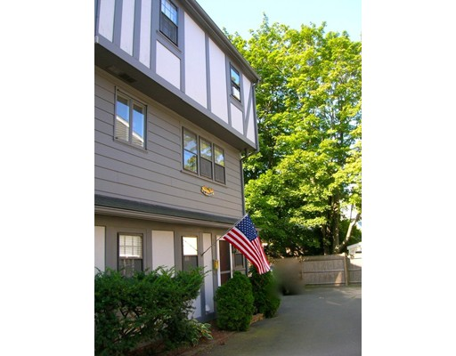 Additional photo for property listing at 9 Knights Hill  Marblehead, Massachusetts 01945 Estados Unidos