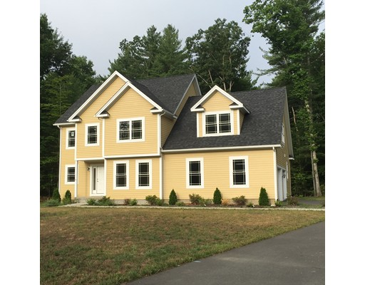 Maison unifamiliale pour l Vente à 9 Indian Pipe Drive Hadley, Massachusetts 01035 États-Unis