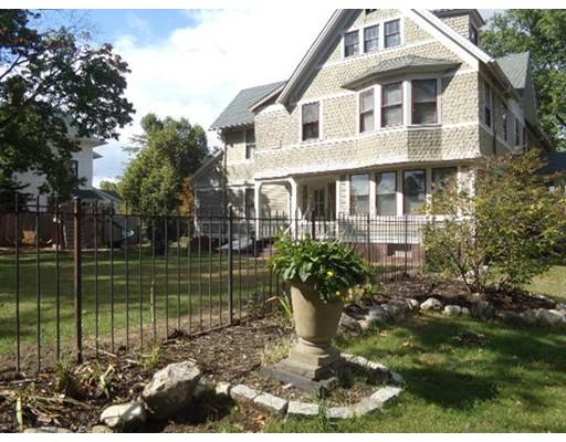 独户住宅 为 销售 在 346 Maple Street Springfield, 01105 美国