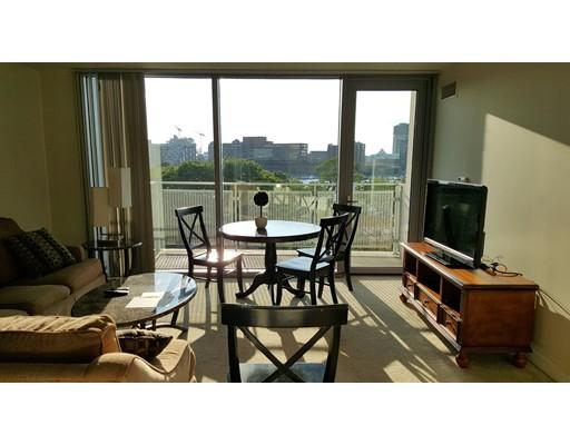Casa Unifamiliar por un Alquiler en 175 Blossom Street Boston, Massachusetts 02114 Estados Unidos