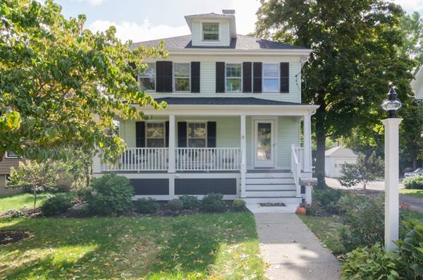 $699,000 - 4Br/3Ba -  for Sale in Hingham