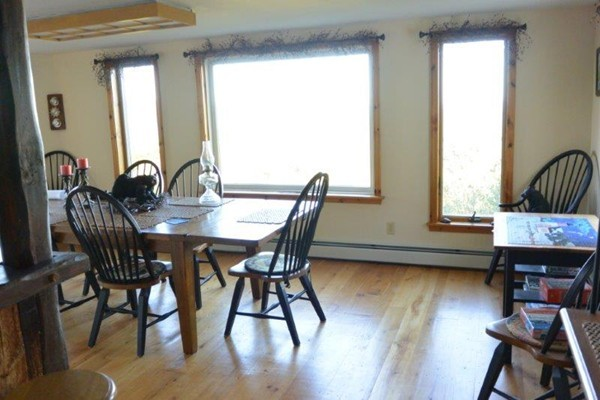 Photo #8 of Listing 215 Circuit Road