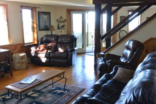 Photo #11 of Listing 215 Circuit Road