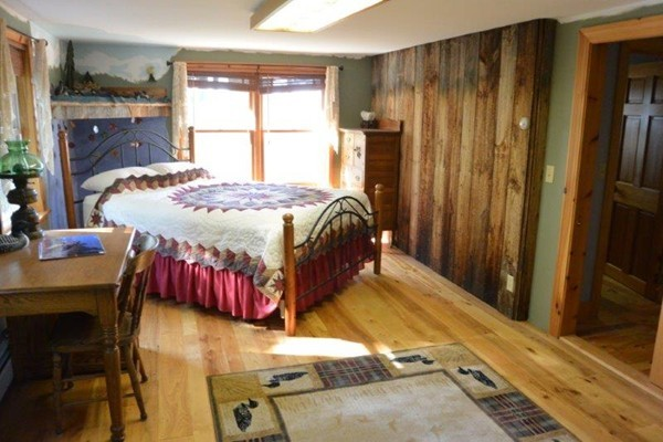 Photo #12 of Listing 215 Circuit Road