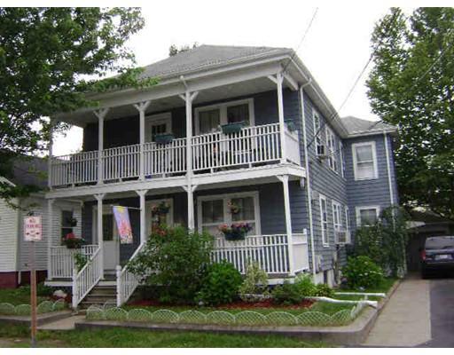 Многосемейный дом для того Продажа на 17 Darlingdale Avenue Pawtucket, Род-Айленд 02861 Соединенные Штаты