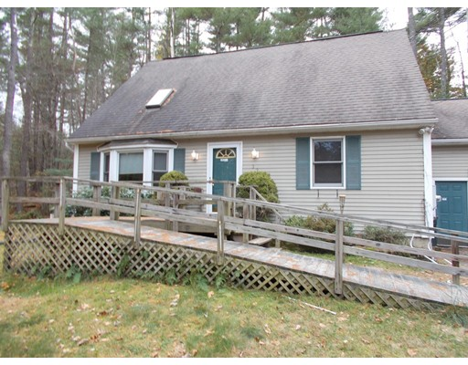 Casa Unifamiliar por un Venta en 32 Railroad Street Belchertown, Massachusetts 01007 Estados Unidos
