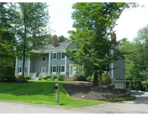 Casa Unifamiliar por un Venta en 28 Hovey's Pond Drive Boxford, Massachusetts 01921 Estados Unidos
