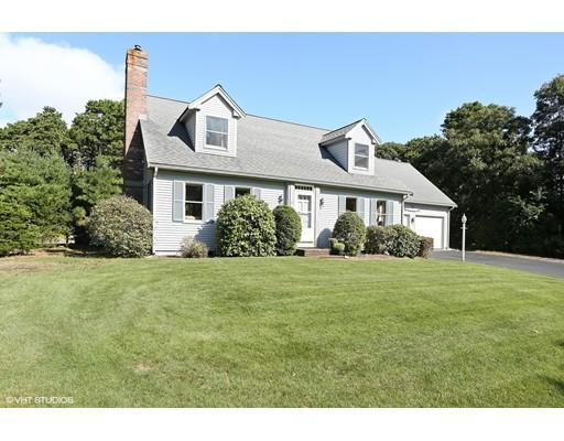Maison unifamiliale pour l Vente à 10 Peach Orchard Lane Eastham, Massachusetts 02642 États-Unis