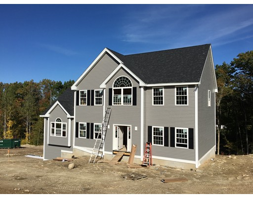 Single Family Home for Sale at 10 Squire Road Pelham, New Hampshire 03076 United States