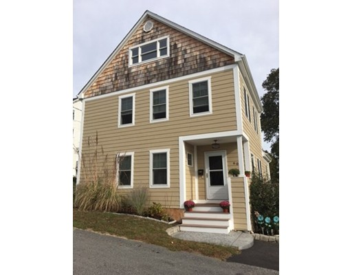 60  Maple St,  Somerset, MA