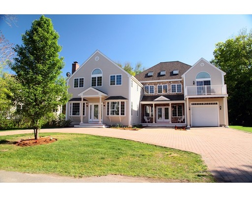 Casa Unifamiliar por un Venta en 17 Beach Road Sharon, Massachusetts 02067 Estados Unidos