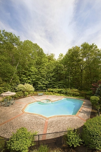 Photo #6 of Listing 89 Dunmore Ct