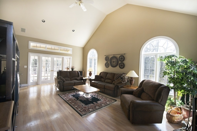 Photo #14 of Listing 89 Dunmore Ct
