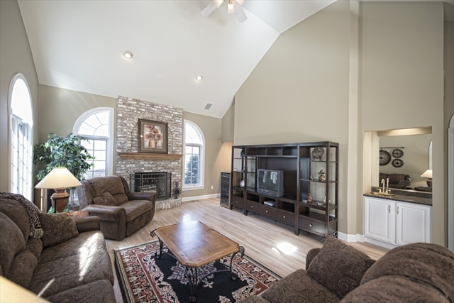 Photo #15 of Listing 89 Dunmore Ct