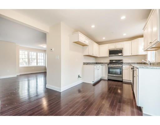 2 Cross Rd Unit 4 Haverhill Ma 187 Townhouse For Sale 187 299 900