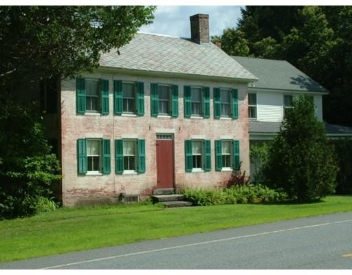 Maison unifamiliale pour l Vente à 44 Ashfield Road Buckland, Massachusetts 01338 États-Unis