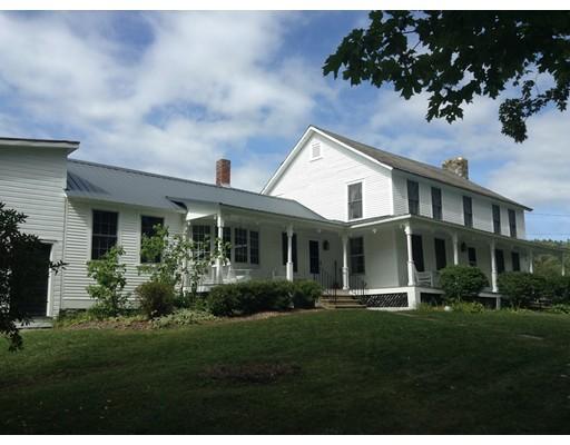 Maison unifamiliale pour l Vente à 32 Shippee Road Rowe, Massachusetts 01367 États-Unis