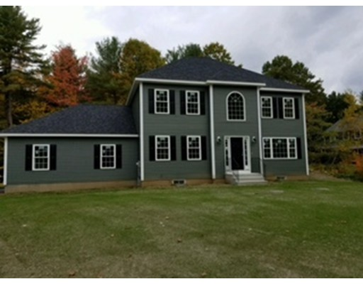 Single Family Home for Sale at 4 Applewood Lane Charlton, Massachusetts 01507 United States