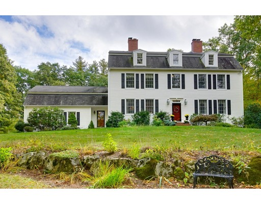 独户住宅 为 销售 在 340 Westford Street 340 Westford Street Dunstable, 马萨诸塞州 01827 美国