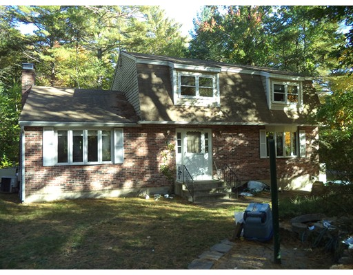 Single Family Home for Sale at 16 Pine Hollow Drive Londonderry, New Hampshire 03053 United States