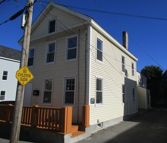 25 Auburn St, Lowell, MA, 01852 Primary Photo