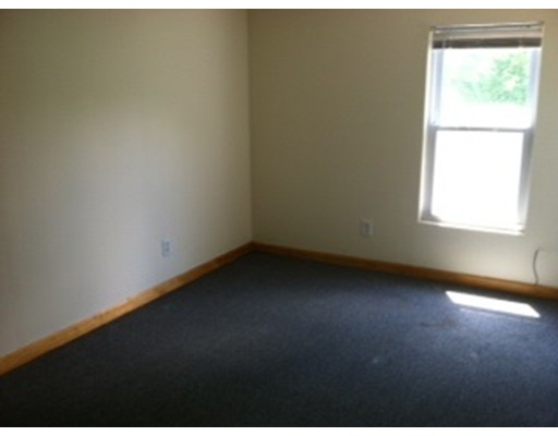 Additional photo for property listing at 225 North Main Street  Webster, Massachusetts 01570 Estados Unidos