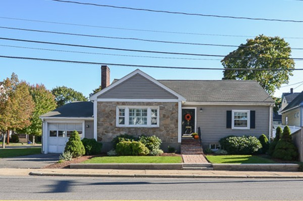 71 Squantum St, Milton, MA - USA (photo 1)