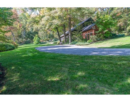 Частный односемейный дом для того Продажа на 300 Middle Road Haverhill, Массачусетс 01830 Соединенные Штаты