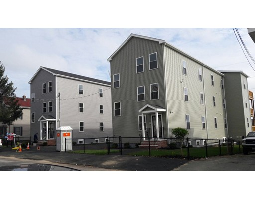Casa Multifamiliar por un Venta en 373 Crescent Avenue Chelsea, Massachusetts 02150 Estados Unidos