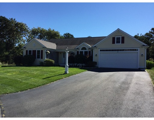 Casa Unifamiliar por un Venta en 43 Center Street Mashpee, Massachusetts 02649 Estados Unidos
