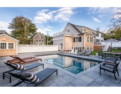 Single Family Home for Sale at 2 Pierce Lane Edgartown, Massachusetts 02539 United States