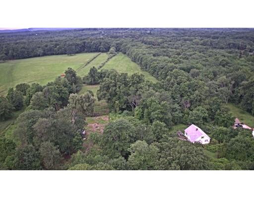 Additional photo for property listing at 349 Shoemaker Lane 349 Shoemaker Lane Agawam, Massachusetts 01001 États-Unis