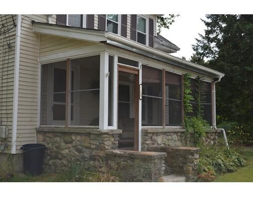 独户住宅 为 出租 在 1123 Middleboro Avenue Taunton, 马萨诸塞州 02718 美国