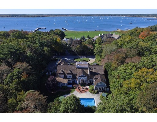 Casa Unifamiliar por un Venta en 19 Ned's Point Road 19 Ned's Point Road Mattapoisett, Massachusetts 02739 Estados Unidos