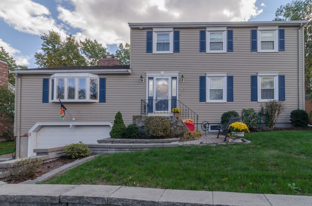 27 Ridgewood Ln, Quincy, MA - USA (photo 1)