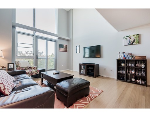 1 Earhart St 308, Cambridge, MA 02141
