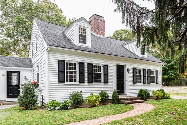 $769,000 - 3Br/2Ba -  for Sale in Hingham