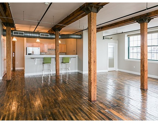 Additional photo for property listing at 881 East First Street  Boston, Massachusetts 02127 United States