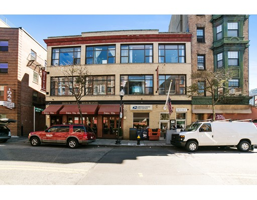 Additional photo for property listing at 215 Hanover Street 215 Hanover Street Boston, Massachusetts 02113 États-Unis