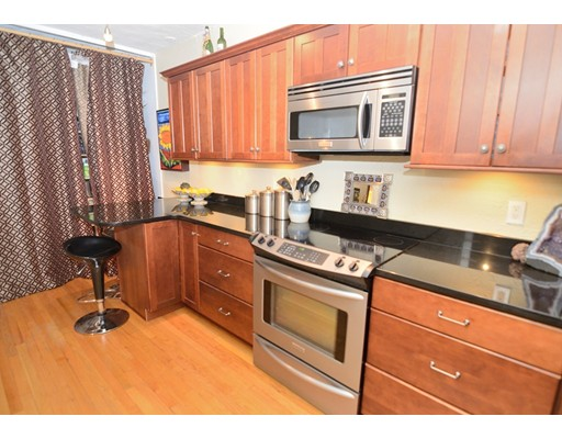 Additional photo for property listing at 63 Maverick Square 63 Maverick Square Boston, Massachusetts 02128 Estados Unidos
