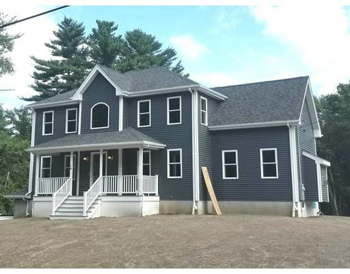 واحد منزل الأسرة للـ Sale في 1 High Hill Road 1 High Hill Road Dartmouth, Massachusetts 02714 United States