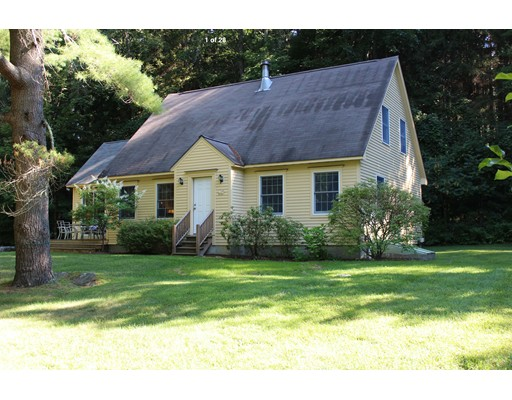 Casa Unifamiliar por un Venta en 141 Main Road Monterey, Massachusetts 01245 Estados Unidos
